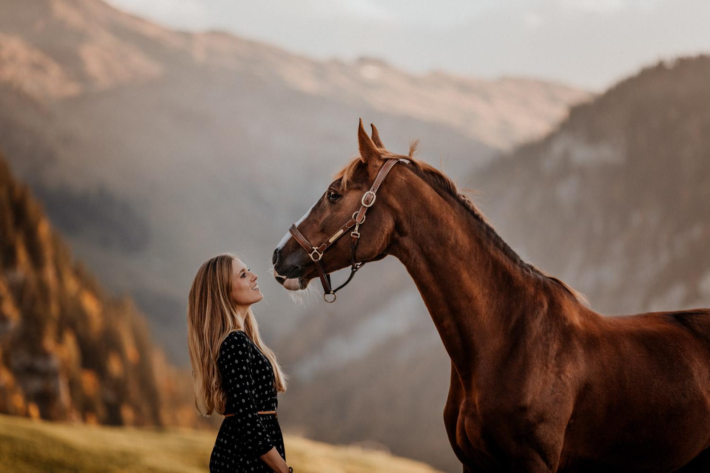 Pferdeshooting in den Bergen Pferdefotografin Schweiz
