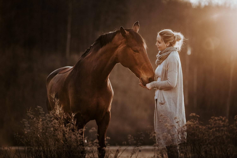 Pferdeshooting Pferdefotografin Schweiz natürlich ungestellt